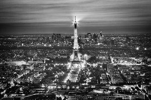 Eiffel Tower Light Performance Show