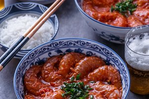 Prawns in spicy tomato sauce with