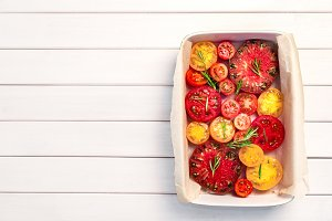 Pie with tomatoes, olive oil, Parmes