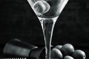 Black and white photo. Dry martini,