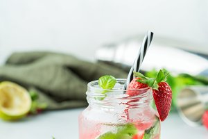 Alcohol cocktail mojito lemonade wit