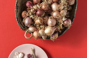 Bouquets of red onions.Flat lay