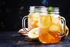 Ice black tea with lemon and mint, l
