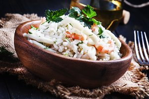 Rice with seafood and white wine, se