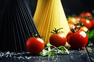 Spaghetti and tomatoes, still life i