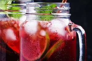 Frozen red tea with lime, ice and mi
