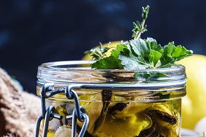 Mussels in olive oil with lemon and
