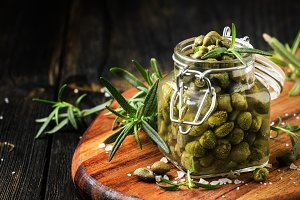 Salted capers in vinegar, shallow de
