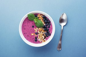 Smoothie bowl with granola.