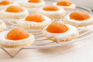 cookies in the form of fried eggs ap