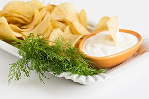 chips with sour cream and dill sauce