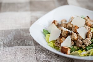 Caesar salad with chicken, lettuce a