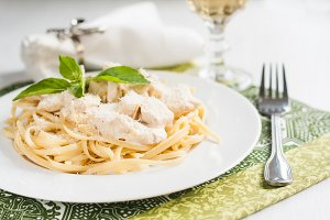 Pasta with chicken, cheese, basil se