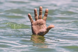 gesture for the help of a drowning