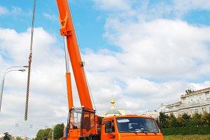 Mobile crane truck
