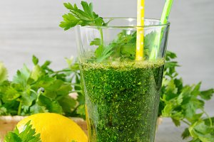 smoothie of parsley and celery