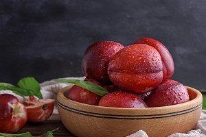 ripe peaches nectarine