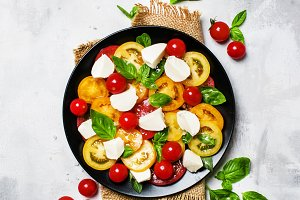 Salad with tomatoes, mozzarella chee