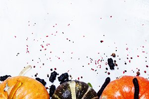 Halloween background, pumpkins, hear