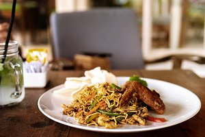 Indonesian food, mie goreng ayam