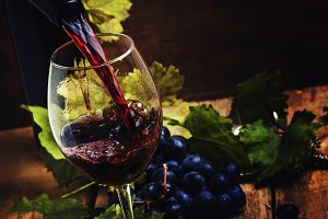 Dry Red Wine Pouring Into Glass, Vin