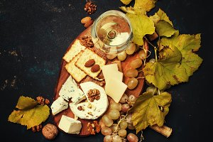 White Dry Wine, Cheese With Mold, Nu
