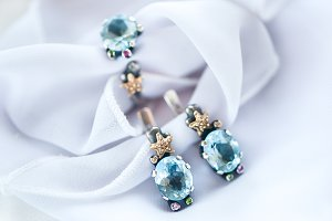 Chic White Gold Jewelery with Topaz,