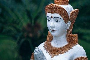 Thai Sawadee Statue