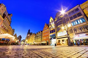 Wroclaw market square at night