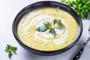 Zucchini cream soup puree.