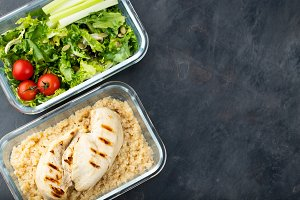 Healthy meal prep containers with qu