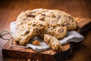 Chocolate chip cookies on napkin