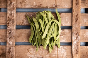 green beans uncooked
