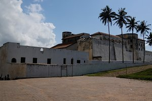 Exterior view to Elmina castle and f