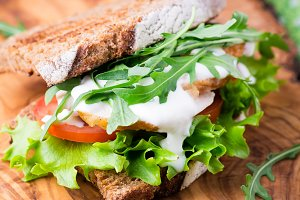 Sandwich with tomato and chicken