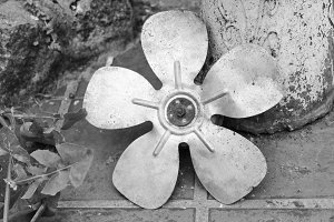 Propeller Vintage in Black and White