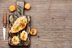 Grilled chicken with apricot
