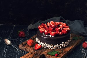 Chocolate cake with fresh