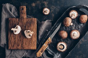 Royal champignons on a rustic