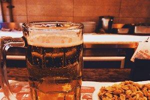 beer chopp & nuts