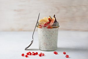 overnight  oatmeal with fruits