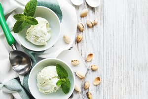 pistachio ice cream and mint