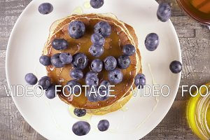 Slow motion pancakes for breakfast