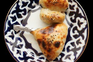 Samosa buns in plate isolated