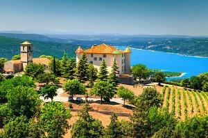 Aiguines castle and St Croix lake