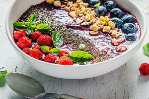 Berry purple smoothie bowl