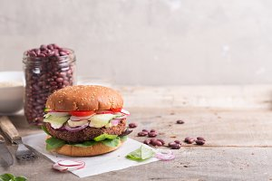 Veggie bean and quinoa burger with