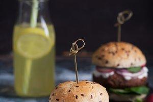 Veggie falafel burgers with fresh