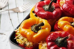 Stuffed vegetarian paprika with rice