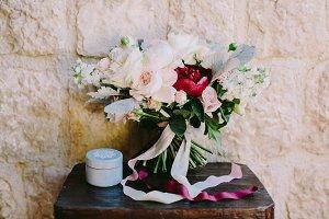 fancy wedding bouquet of flowers in